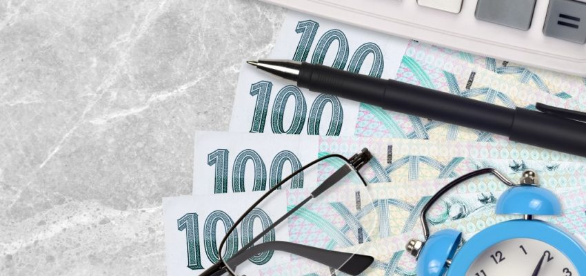 100-one-hundred-korun-sto-czech-koruna-czk-haler-republic-pen-calculator-alarm-clock-glasses-tax_t20_nLXRRR