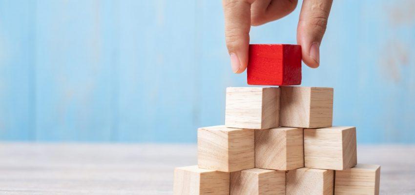 block-build-business-businessman-challenge-chance-change-concept-construction-copy-creative-cube_t20_E4o2wZ